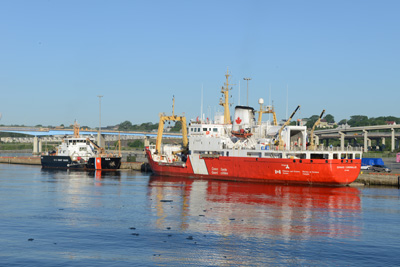 The USCGC MARCUS HANNA and the CCG Edward Cornwallis were used to deploy the Vessel of Opportunity Skimming System
